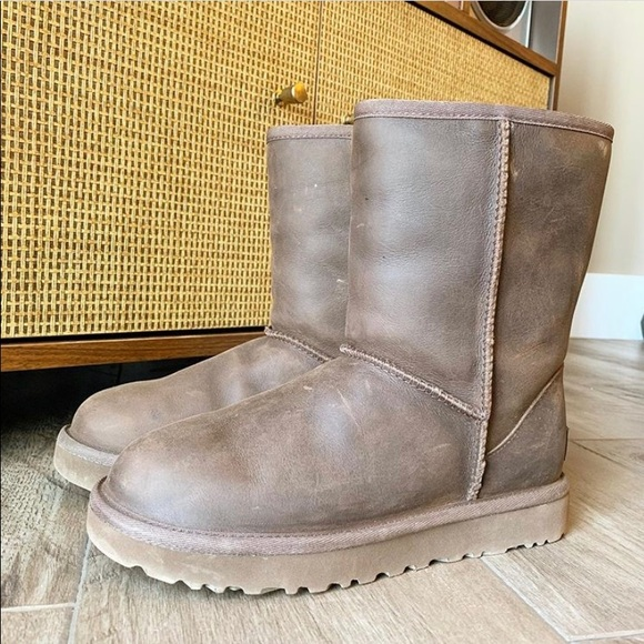 UGG Shoes - Ugg Brown Leather 6
